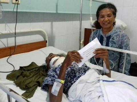 Donasi Pentas Amal Mbah Gareng Di Kampayo